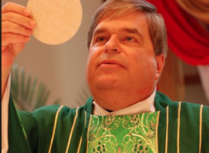 TX: Priest, John Keller, allowed to celebrate Mass at Catholic church despite new allegations…